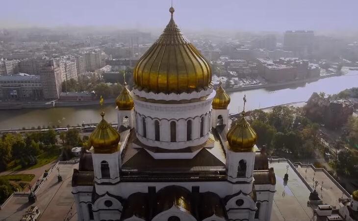 Фото храма Христа Спасителя в Москве.